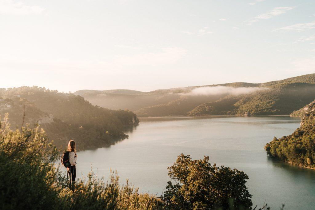 Vue sur le lac d'esparron